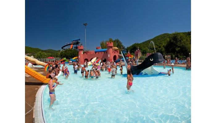 Аквапарк «Лето»